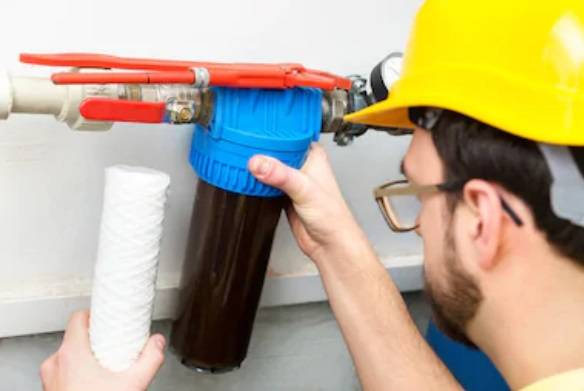 Installing water filter in pipes